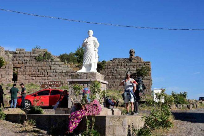 Dünya mirası Assos'ta inşaat bilmecesi