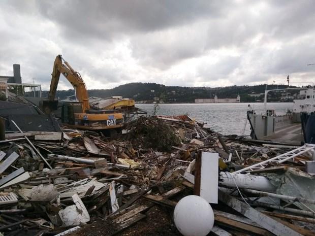 Galatasaray Adası'nda yıkım başladı