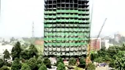 6 günde 15 katlı bina diktiler